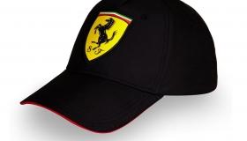 Czapka Ferrari  5 Scudetto Carbon